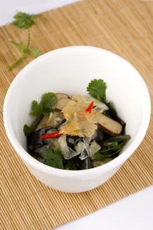 Mixed salad (beancurd, jellyfish and kelp)